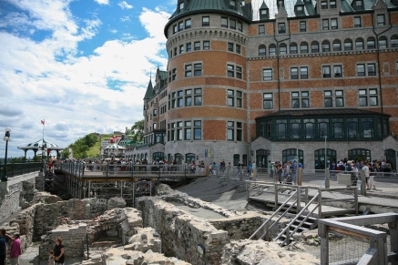 Archeological dig (Château Frontenac)