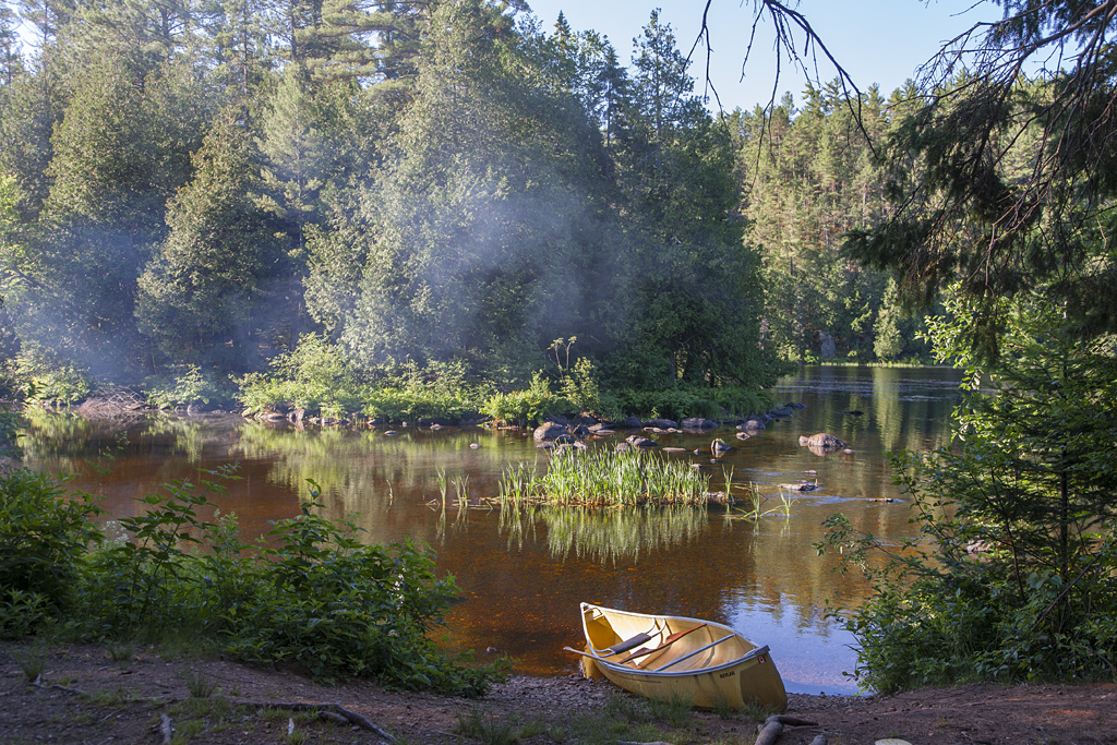 Paddling in the Barron Canyon – Algonquin Provincial Park