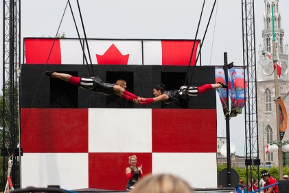 The aerial and acrobatic show at Major's Hill Park