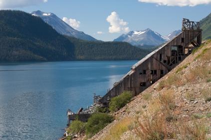 Mining installation along Tagish Lake