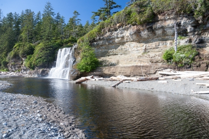 Michigan Creek to Tsusiat Falls